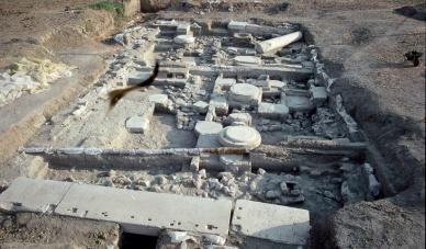 Ανασκαφή στον Ναό τού Διονύσου, 6ος αιώνας π.Χ., Ύρια Νάξου