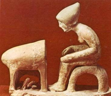 Φούρνισμα ψωμιού, πήλινο ειδώλιο από τη Βοιωτία, τέλος 5ου αιώνα π.Χ.