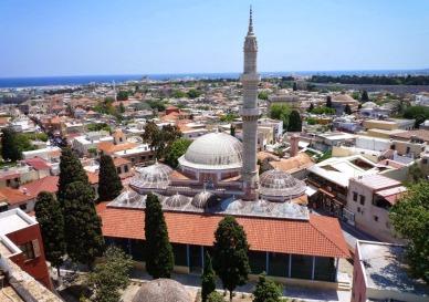 Τζαμί Σουλεϊμάν τού Μεγαλοπρεπή, 16ος αιώνας, Μεσαιωνική πόλη τής Ρόδου