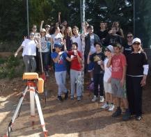 Ικανοποίηση και ενθουσιασμός στην ανασκαφική ομάδα τού Α΄1 τμήματος τού Α΄ Αρσακείου-Τοσιτσείου Γυμνασίου Εκάλης.