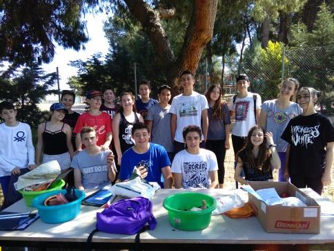 Η ανασκαφική ομάδα τού Β΄3 τμήματος τού Β΄ Αρσακείου - Τοσιτσείου Γυμνασίου Εκάλης.
