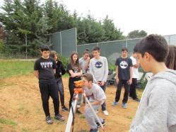 Οι μαθητές διδάσκονται τη χρήση τού χωροβάτη