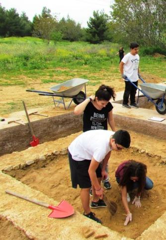 Η αρχαιολογική ομάδα σε εγρήγορση