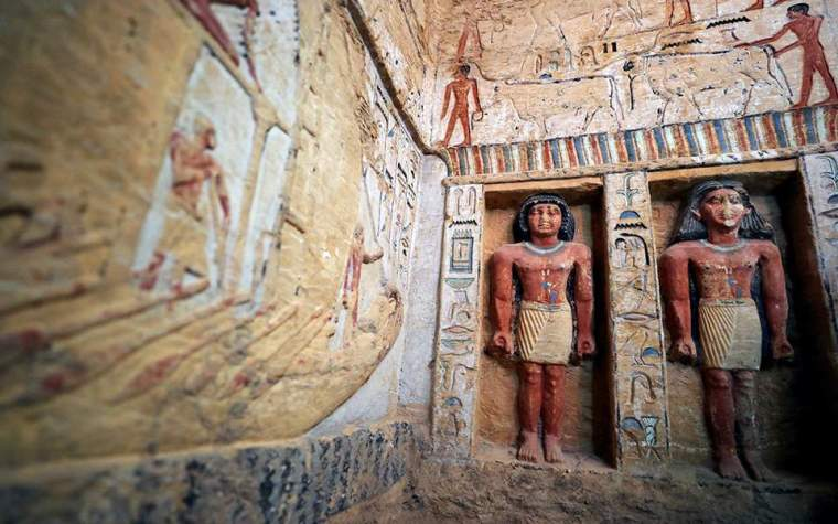 statues-egyptian-tomb-4000