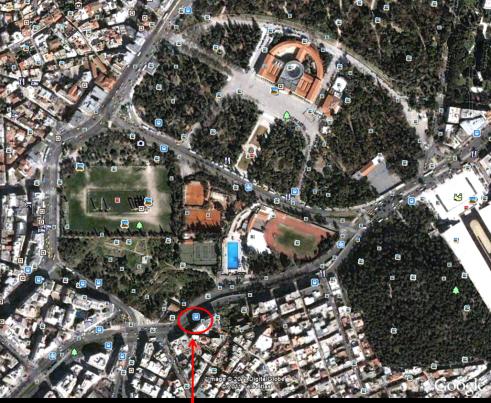 Αεροφωτογραφία της περιοχής του Ιλισσού, δηλώνεται με βέλος το αρχαίο Μητρώον εν Αγραίς