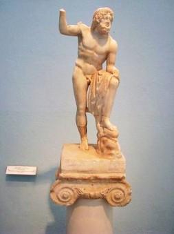 Αγαλμάτιο Ποσειδώνος από το Σούνιο