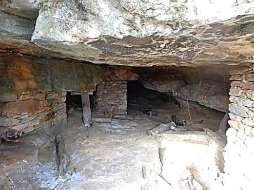 Η είσοδος της μεταλλευτικής στοάς αρ. 3 στο Θορικό Λαυρίου