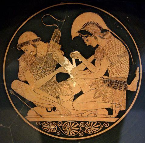 3. Ο Αχιλλέας φροντίζει το πληγωμένο χέρι του Πάτροκλου, ερυθρόμορφη κύλικα, περ. 500 π.Χ., Βερολίνο, Κρατικό Μουσείο