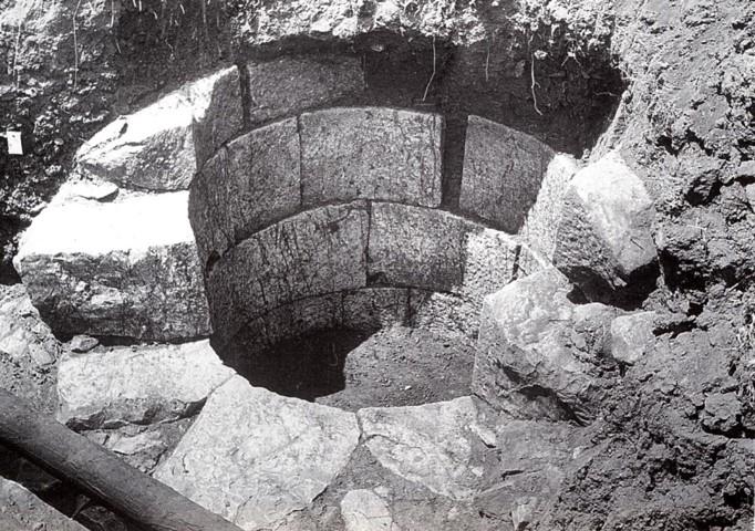 17β. Πηγάδι του 5ου π.Χ. αι. στην περιοχή του Ασκληπιείου της Επιδαύρου