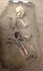 33α. Νεκρή σε τάφο στα Άβδηρα, 7ος π.Χ. αιώνας