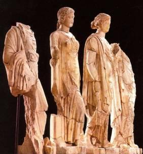 41δ. Τα αγάλματα των θυγατέρων του Ασκληπιού από τις θέρμες, Δίον