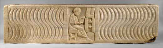 38γ. Ρωμαϊκή σαρκοφάγος από την Όστια, 4ος π.Χ. αι. Γιατρός μπροστά στη βιβλιοθήκη του. Μητροπολιτικό Μουσείο Νέας Υόρκης.